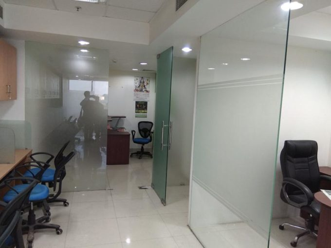 rent furnish office in jasola district centre dlf tower A New Delhi