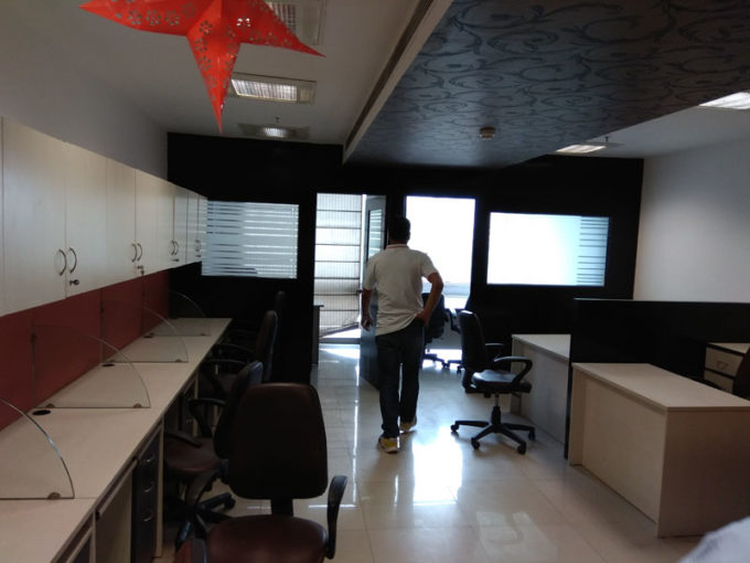 Commercial office space of 1056 sqft in jasola on rent